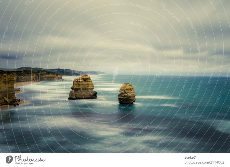 an apostle and a half Rock Coast Ocean Pacific Ocean Twelve Apostles Decline Transience Change Colour photo Exterior shot Deserted Copy Space top Long exposure