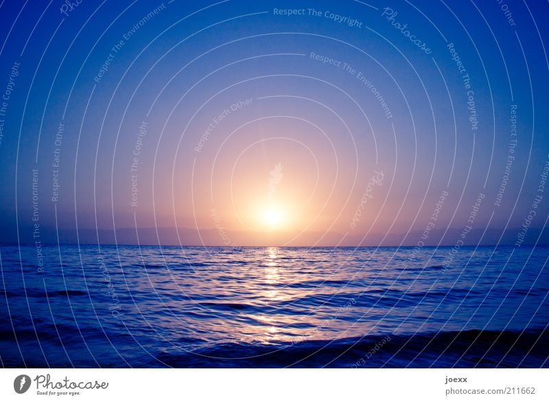 downfall Far-off places Summer Ocean Waves Water Sky Sun Sunrise Sunset Sunlight Beautiful weather Coast Large Infinity Blue Yellow Gold Violet Emotions Calm