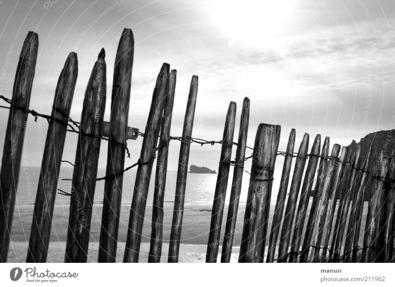 barrier Vacation & Travel Tourism Trip Far-off places Freedom Environment Nature Landscape Elements Coast Bay Reef Ocean Gap in the fence Barrier Fence Pole