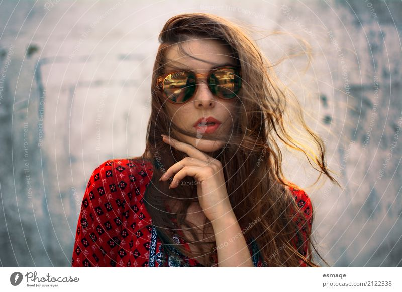 Girl with Sunglasses Lifestyle Style Hair and hairstyles Manicure Health care Fashion Eyeglasses Brunette Long-haired Think Cool (slang) Indifferent Sunrise