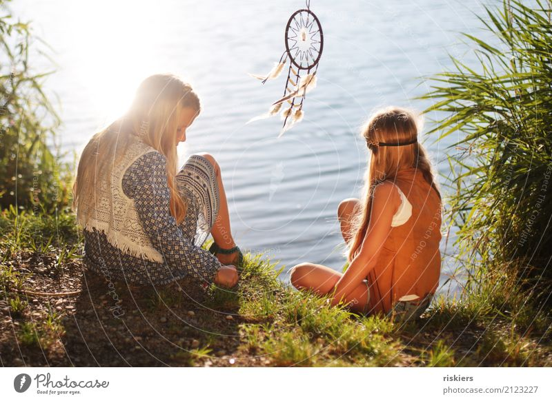 """indian summer"" Human being Feminine Child Girl Brothers and sisters Family & Relations Infancy 2 3 - 8 years Environment Nature Sun Sunlight Summer"