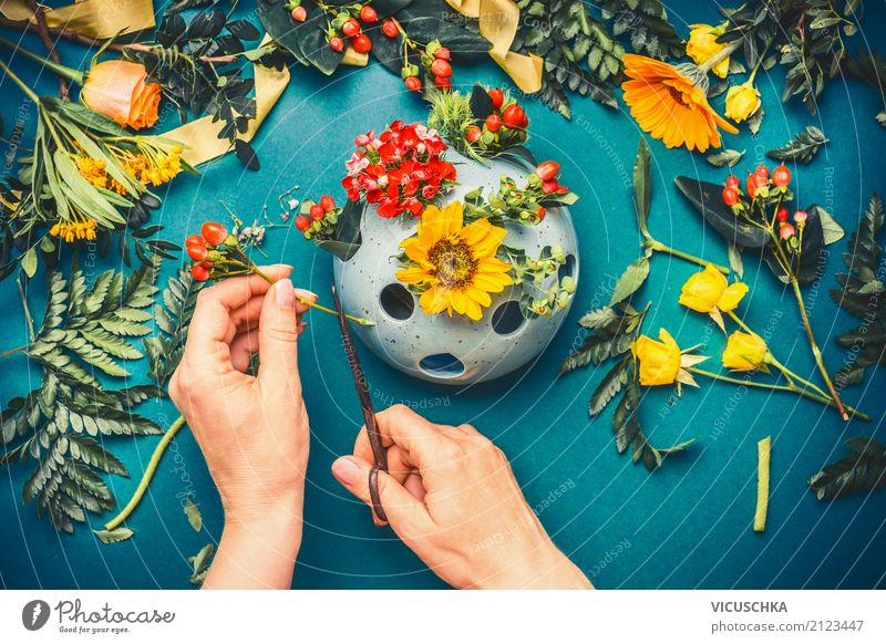 Human being Woman Nature Plant Hand Flower Adults Lifestyle Autumn Feminine Style Design Leisure and hobbies Living or residing Decoration Bouquet