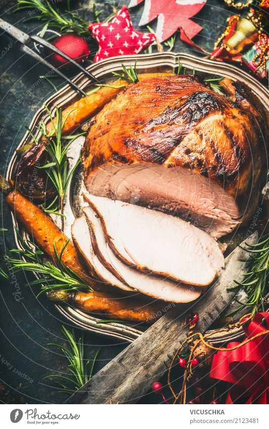 Roasted Christmas ham Food Meat Nutrition Banquet Slow food Plate Knives Style Design Table Event Feasts & Celebrations Christmas & Advent Tradition Dish
