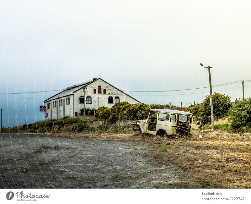 Loneliness House (Residential Structure) Street Building Freedom Car Dirty Gloomy Adventure Poverty Transience Broken Historic Manmade structures Longing Dry