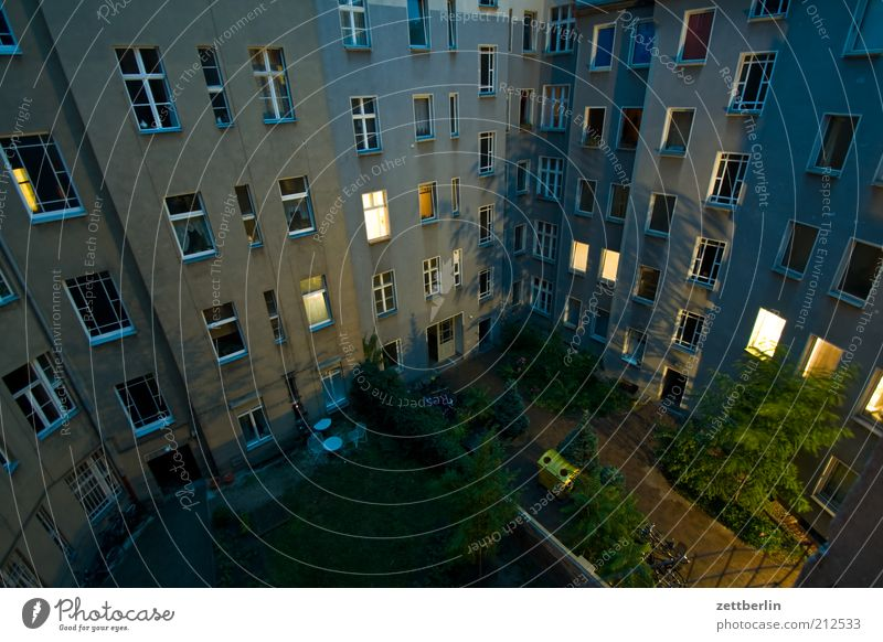 City House (Residential Structure) Dark Wall (building) Window Wall (barrier) Building Architecture Flat (apartment) Living or residing Illuminate Backyard