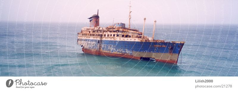 shipwreck Watercraft Luxury liner Coast Ocean Fuerteventura Atlantic Star Wreck