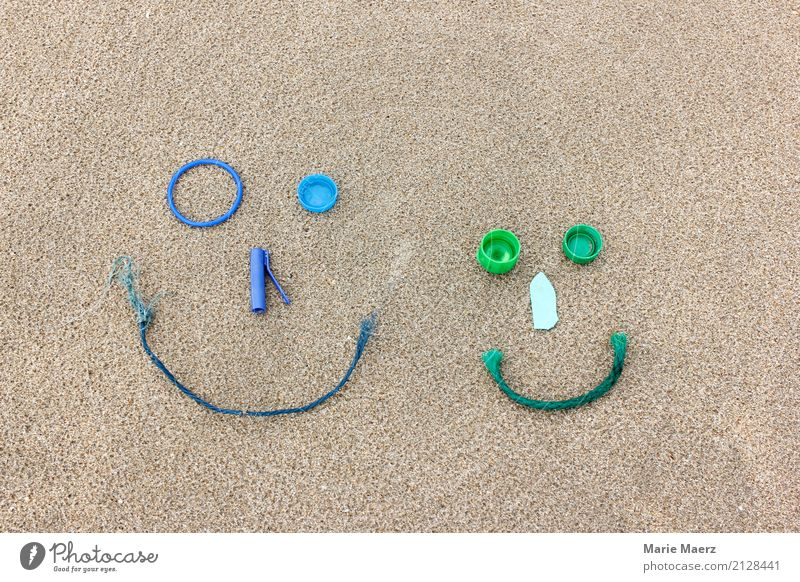 Nature Blue Green Joy Beach Face Laughter Art Sand Leisure and hobbies Dirty Curiosity Discover Kitsch Trash Environmental protection