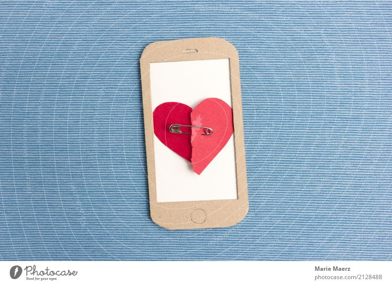 heartache Cellphone PDA Heart Communicate Love Write Sadness Blue Red Vice To console Disappointment Love affair Divide End Make Chat SMS Lovesickness Grief