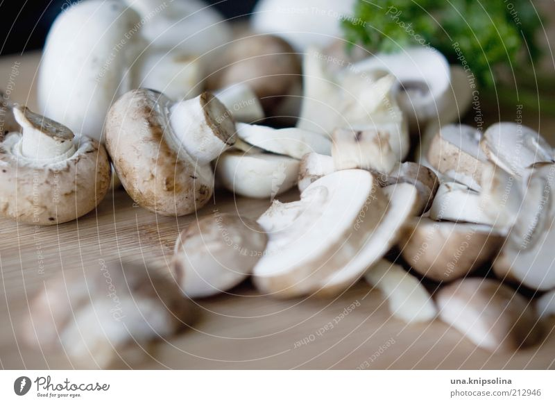 mushroom Food Vegetable Herbs and spices Nutrition Lunch Dinner Organic produce Vegetarian diet Diet Chopping board Healthy Leisure and hobbies Cooking Brown