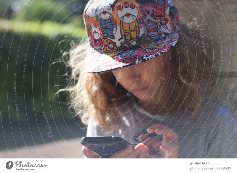 Human being Child Life Boy (child) Playing Leisure and hobbies Masculine Infancy Communicate Future Reading Write 8 - 13 years Internet Hip & trendy Contact
