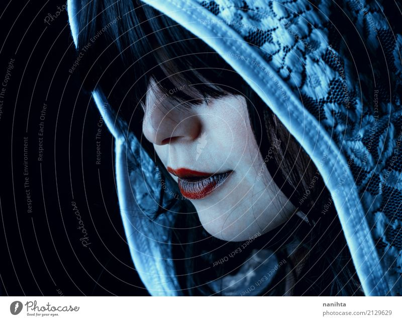 Young and mysterious woman Face Lipstick Hallowe'en Human being Feminine Young woman Youth (Young adults) 1 18 - 30 years Adults Headscarf Black-haired Dark