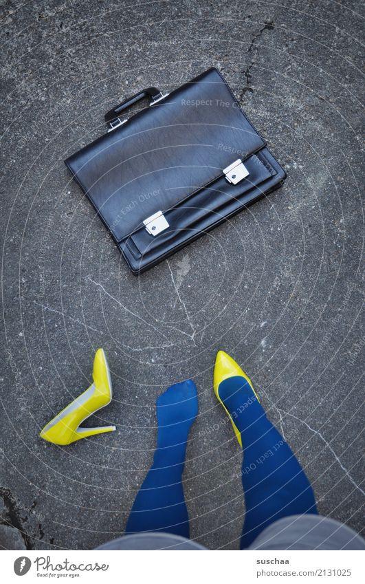 Blue Yellow Legs Exceptional Feet Work and employment Footwear Stand Crazy Break Haste Asphalt Hunting Strange Doomed Lose