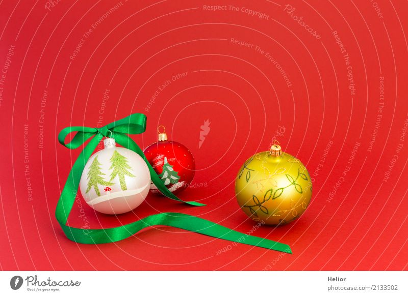 Christmas Balls with Green Ribbon Design Joy Feasts & Celebrations Christmas & Advent Glass Ornament Sphere String Bow Glittering Round Red White Anticipation