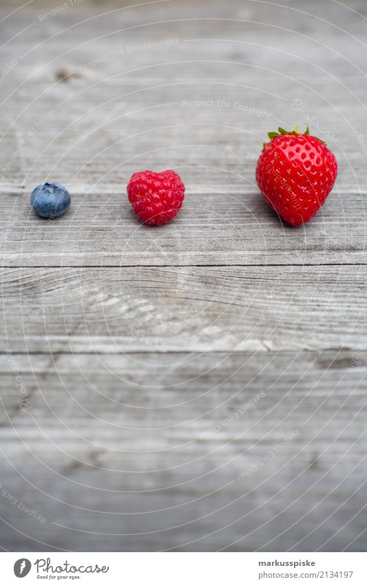 Three kinds of berries Food Fruit Strawberry Raspberry Blueberry Nutrition Eating Breakfast Lunch Picnic Organic produce Vegetarian diet Diet Fasting Slow food