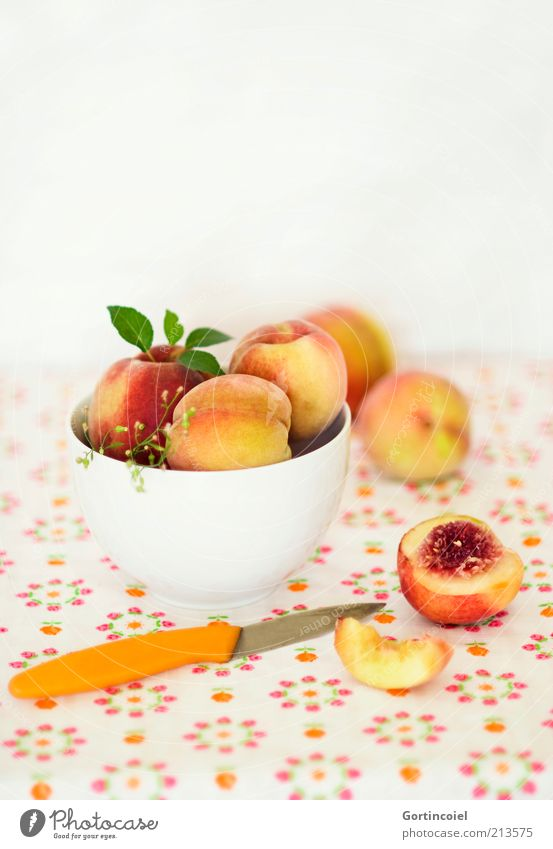Nutrition Food Fruit Fresh Sweet Delicious Multicoloured Diet Organic produce Bowl Knives Fruity Peach Vitamin-rich Healthy Eating