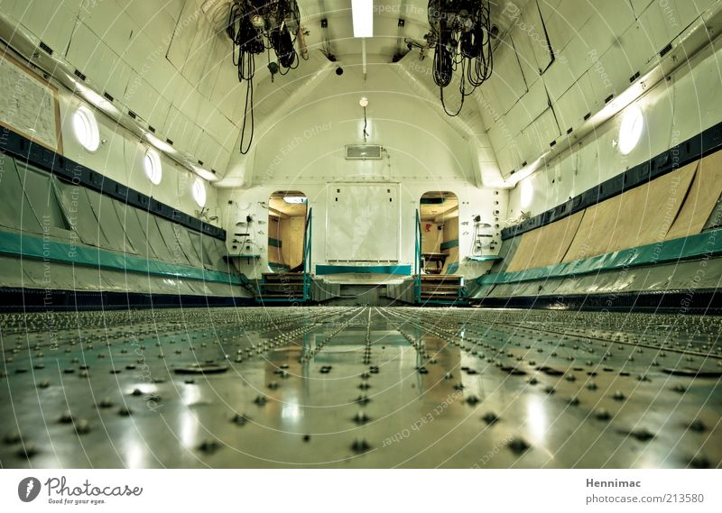 Old Far-off places Door Airplane Aviation Technology Logistics Floor covering Interior design Steel Museum Stagnating Wide angle Worm's-eye view
