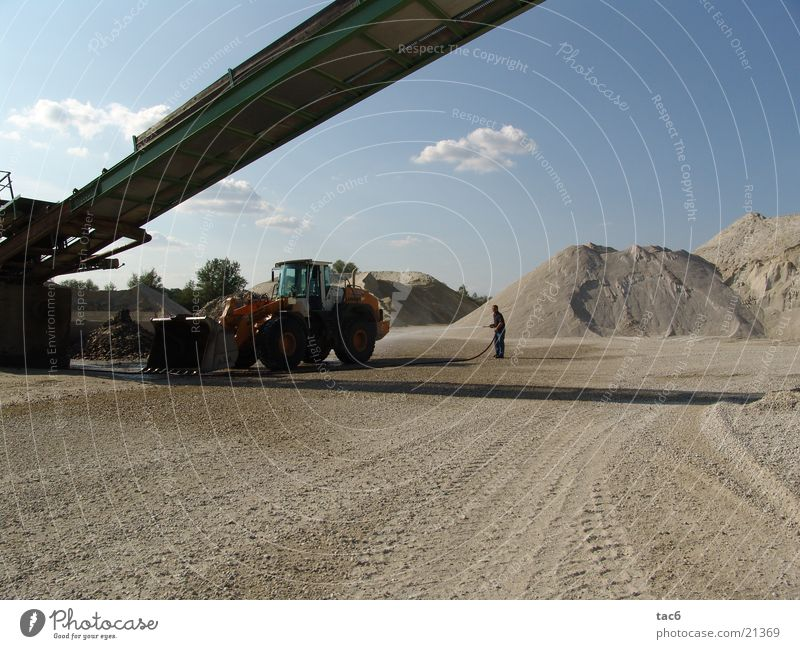 Sand Industry Tracks Gravel Dust Conveyor belt Kiesberg Wheel loader