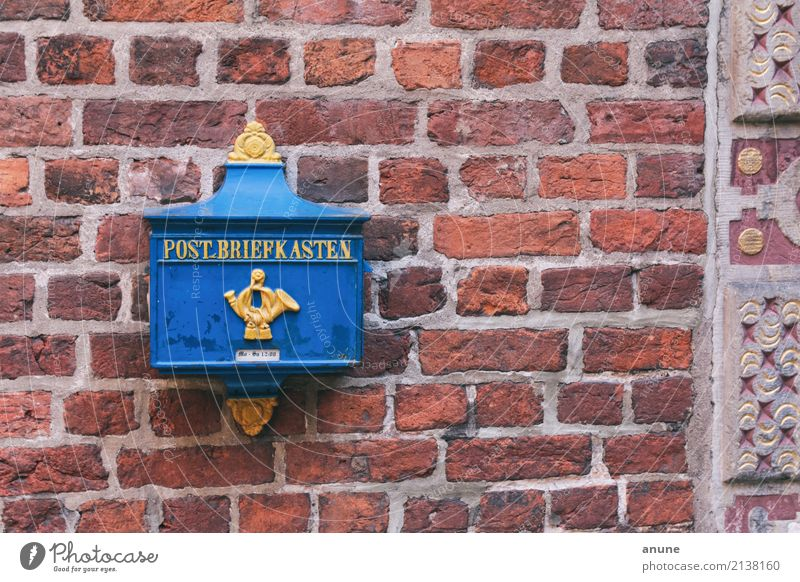 Blue Beautiful Yellow Wall (building) To talk Style Wall (barrier) Tourism Design Retro Communicate Uniqueness Transience Historic Logistics Write