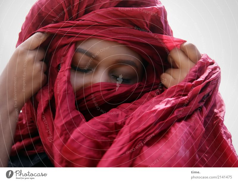 arabella Feminine Woman Adults 1 Human being Cloth Headscarf Movement Think To hold on Dream Beautiful Warmth Red Emotions Happy Contentment Passion Trust