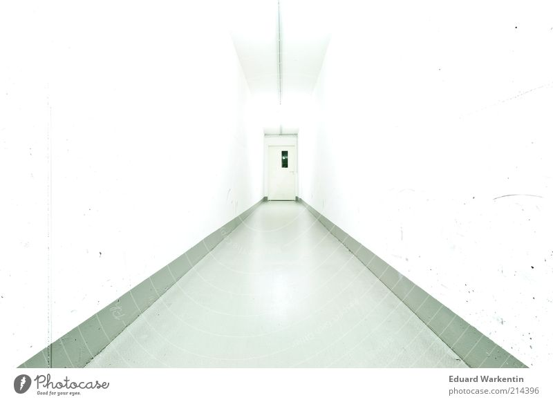 White Wall (building) Lanes & trails Bright Door Esthetic Ground Gloomy Floor covering Tunnel Ceiling Corridor Sterile High-key Copy Space left