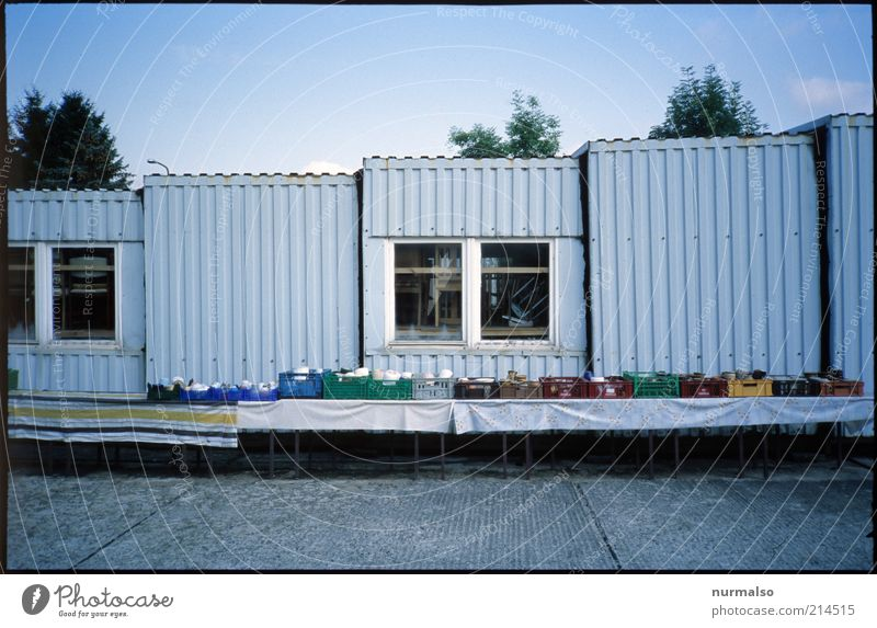 flea market Leisure and hobbies Table Environment Small Town House (Residential Structure) Hut Window Container Collection Collector's item Sell Old Poverty