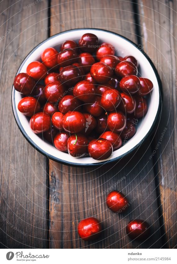 Ripe red cherry Summer Red Eating Natural Wood Garden Above Fruit Retro Fresh Table Harvest Dessert Berries Plate Vegetarian diet