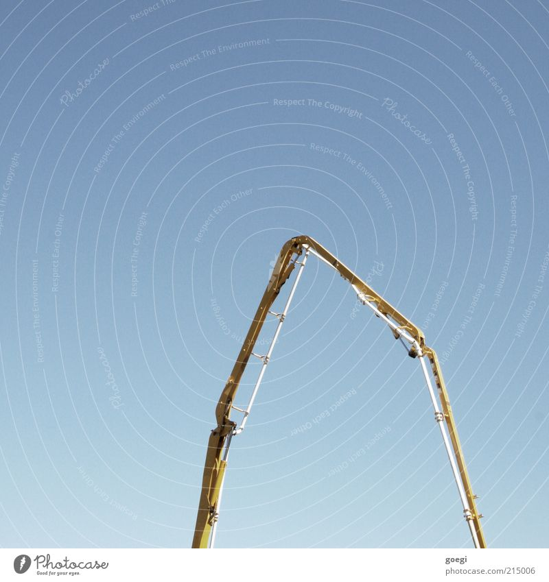 construction boom Machinery Construction machinery Sky Cloudless sky Build Long Blue Yellow truck-mounted concrete pump Pump Colour photo Exterior shot Deserted