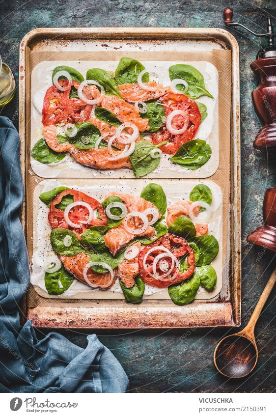 Flammkuchen with salmon and spinach Food Fish Vegetable Dough Baked goods Nutrition Dinner Organic produce Vegetarian diet Diet Crockery Style Design Table