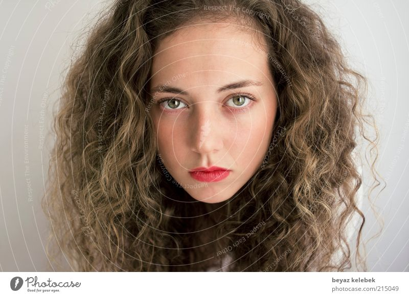 big pretty face Youth (Young adults) Beautiful Face Feminine Hair and hairstyles Adults Esthetic Brunette Curl Intensive Face of a woman Young woman Studio shot