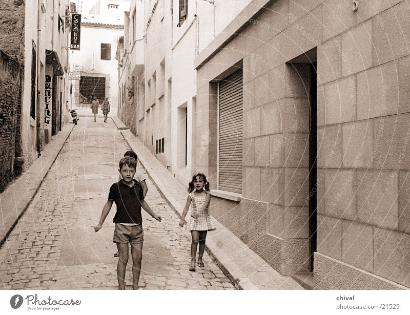 Lloret de mar Alley Spain Child Playing New building House (Residential Structure) Group Street Poverty