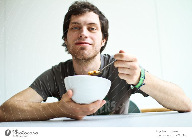 eat! Food Breakfast Bowl Human being Masculine Young man Youth (Young adults) 1 18 - 30 years Adults T-shirt Bracelet Black-haired Short-haired Designer stubble