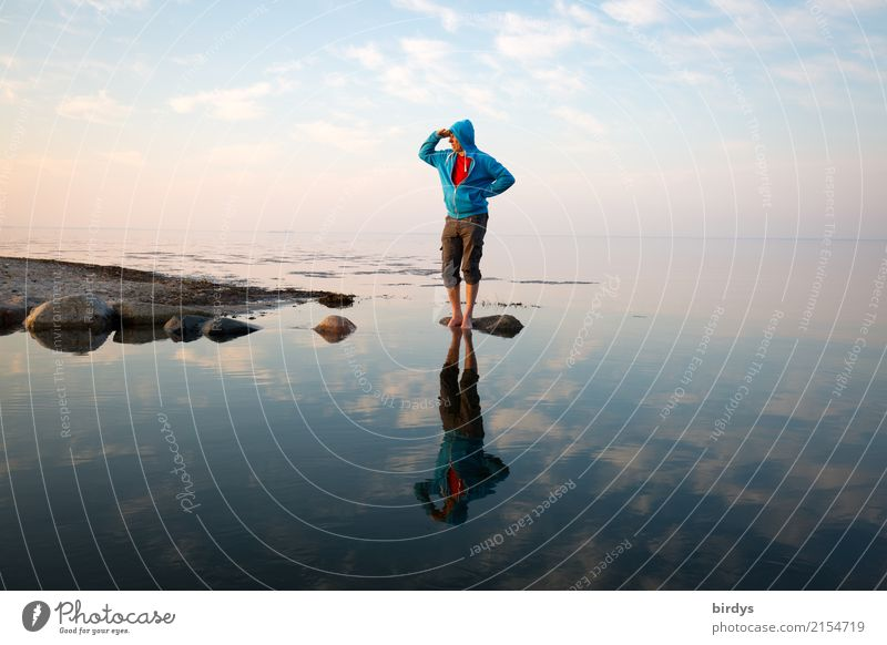 Schauinsland Calm Masculine Man Adults 1 Human being 30 - 45 years 45 - 60 years Water Sky Clouds Spring Coast Baltic Sea Hooded sweater Observe Looking Stand