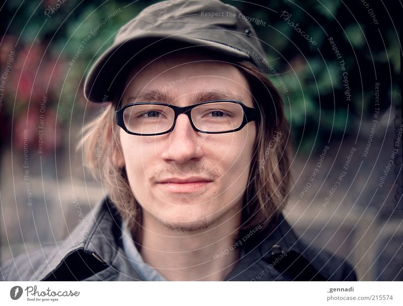 Human being Youth (Young adults) Face Style Head Contentment Adults Masculine Lifestyle Portrait photograph Eyeglasses Authentic Brunette Smiling Hip & trendy