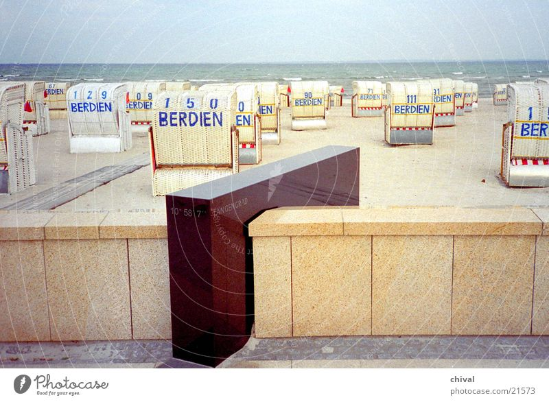 degree of longitude Ocean Beach Promenade Sea promenade Europe Coast Beach chairs. mark Geography