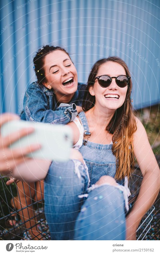 Young adult happy friends taking selfie with phone Woman Human being Youth (Young adults) Young woman Joy 18 - 30 years Adults Lifestyle Funny Emotions Feminine
