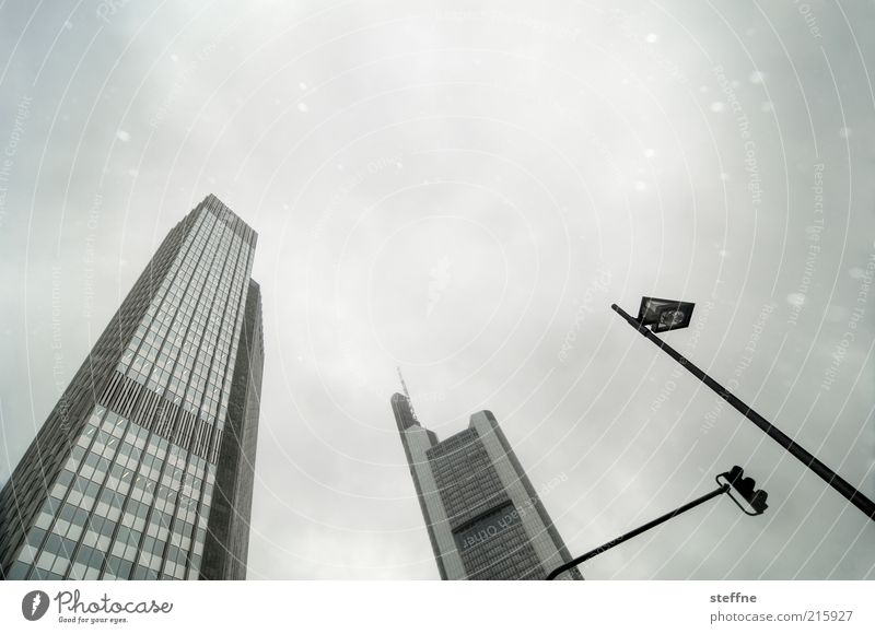 Investment bankers like snow Sky Bad weather Snow Snowfall Frankfurt Skyline High-rise Town Lantern Bank building Commercialization Economy Financial Crisis