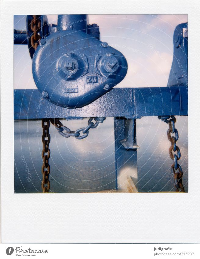 South Pacific Machinery Gear unit Chain Technology Environment Water Lake Metal Sign Characters Blue Calm Stagnating Surrealism Colour photo Exterior shot