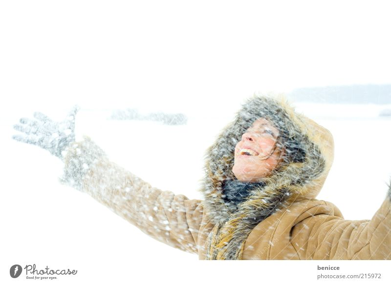 Woman Nature Sky Joy Winter Vacation & Travel Cold Snow Laughter Snowfall Joie de vivre (Vitality) Natural To enjoy Smiling Coat Hooded (clothing)