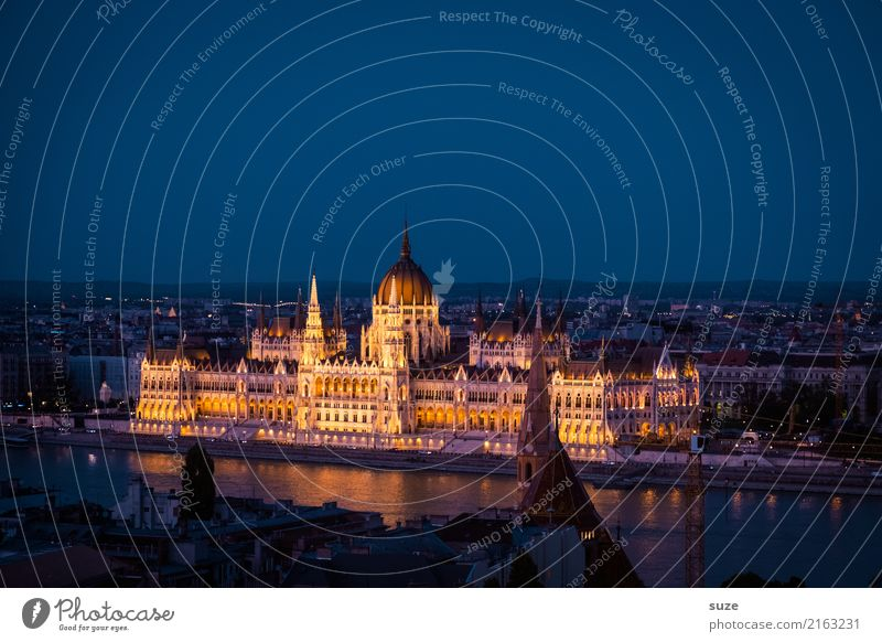 Parliament Budapest Tourism Sightseeing City trip Culture River Town Capital city Outskirts Old town Manmade structures Architecture Tourist Attraction Landmark