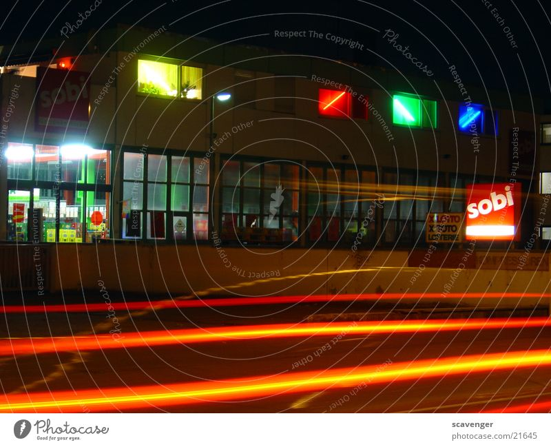 nightshot1 Night Dark Light Long exposure Stripe Commerce Traffic light beverage market Car Street