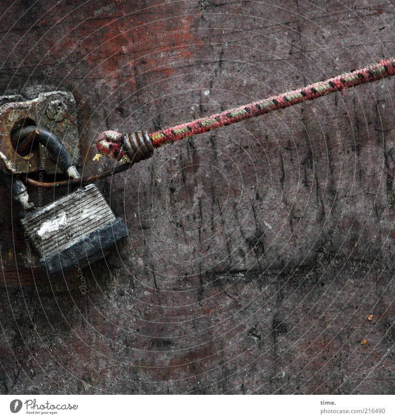 Old Red Wall (building) Wood Brown Metal Rope Metalware To hold on Stress Lock Tension Pull Screw Textiles Objective
