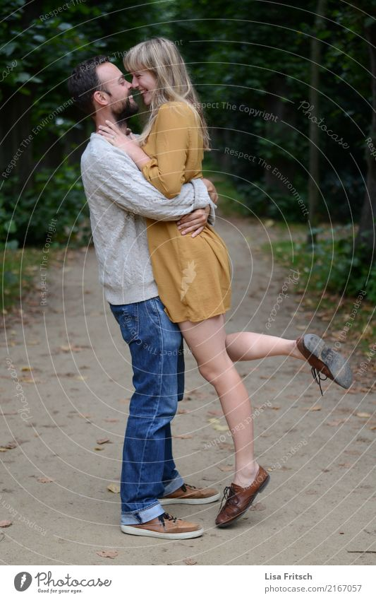 LOVED Young woman Youth (Young adults) Young man Couple Partner 2 Human being 18 - 30 years Adults Environment Park Forest Touch To hold on To enjoy Smiling