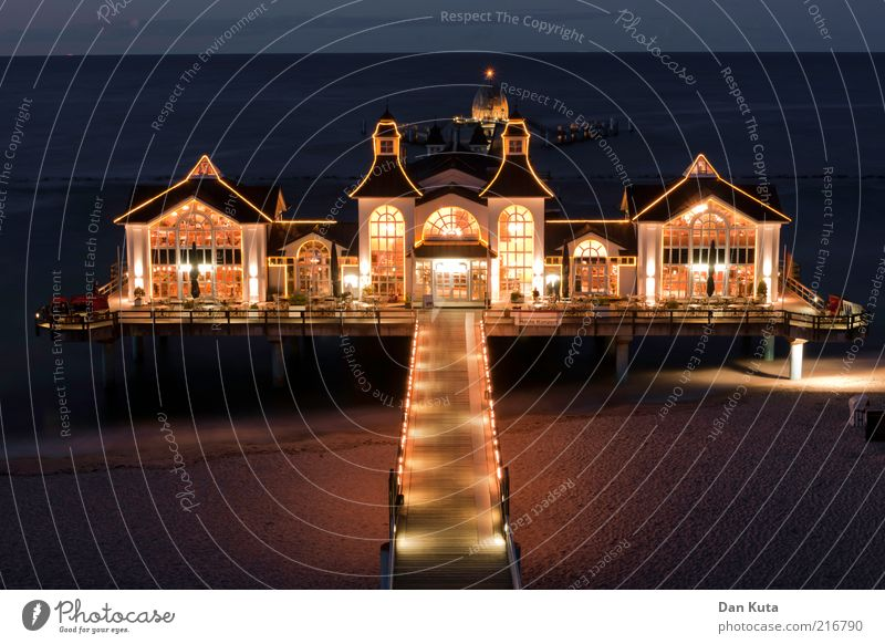 Sellin at night Sea bridge Small Town Outskirts House (Residential Structure) Manmade structures Bridge building Stairs Balcony Terrace Tourist Attraction