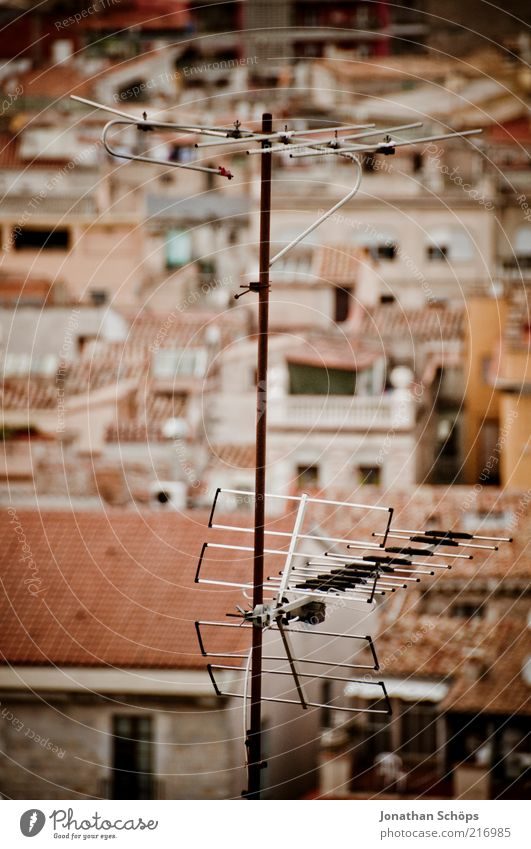 top reception Technology Telecommunications Girona Spain Europe Town Populated House (Residential Structure) Roof Antenna Old Simple Retro Brown Red Culture
