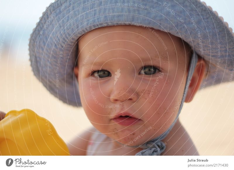 Child Human being Vacation & Travel Blue Beautiful Ocean Eyes Natural Feminine Small Head Sand Dirty Infancy Beautiful weather Baby