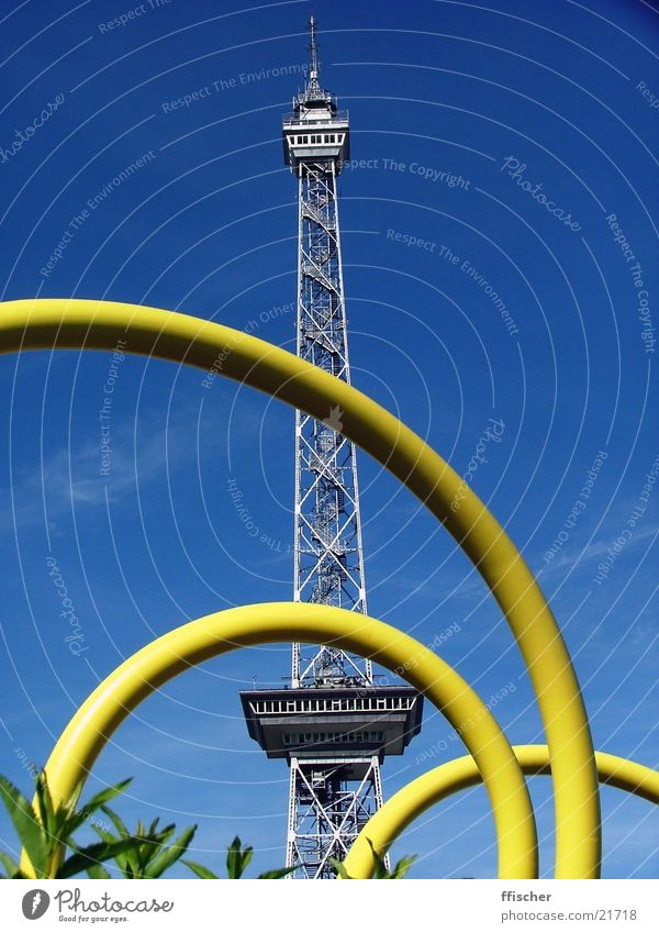 radio tower Transmitting station Charlottenburg-Wilmersdorf Yellow Physics Summer Radio (broadcasting) Television Architecture Berlin Trade fair Blue Sky Snail
