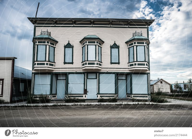 Blue House (Residential Structure) Street Gray Facade Gloomy Transience Past Decline Small Town Stagnating Fiasco Apocalyptic sentiment Alaska Yukon