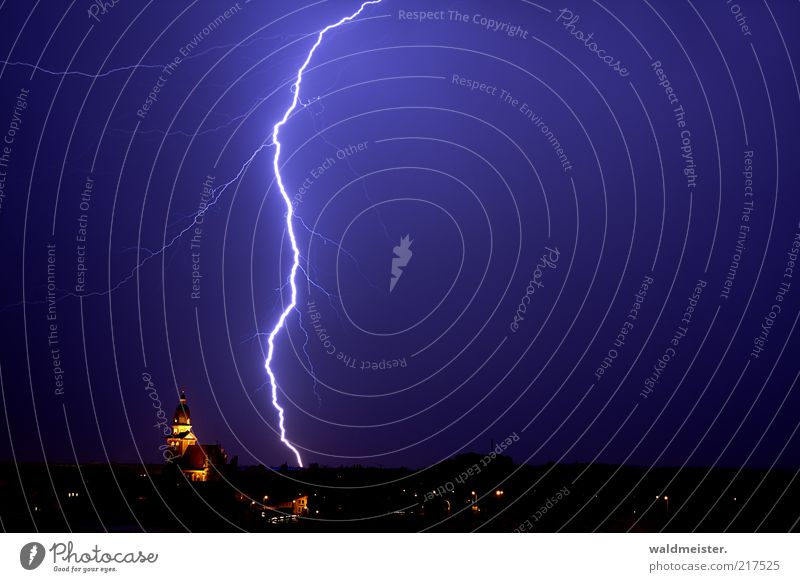 Blue Fear Large Electricity Dangerous Observe Creepy Lightning Listening Skyline Thunder and lightning Storm Elements Gigantic Long exposure Natural phenomenon
