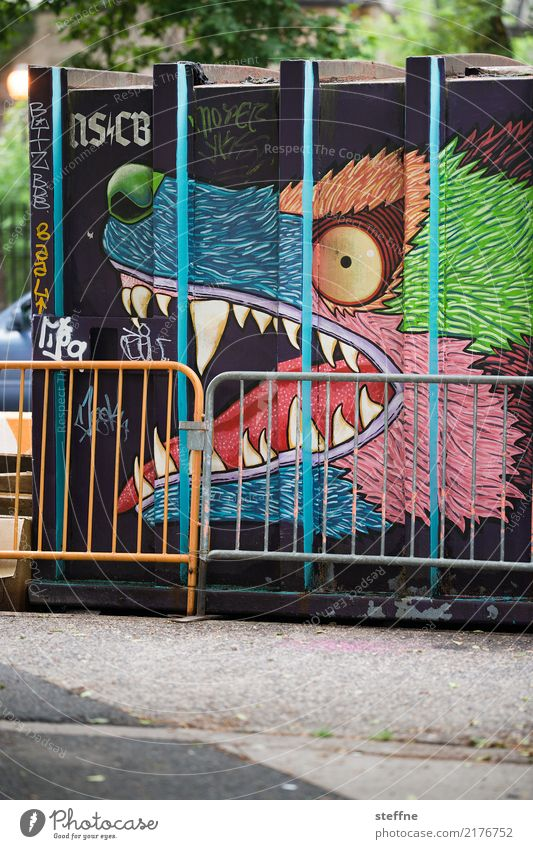 Town Animal Graffiti Fence Container Wolf