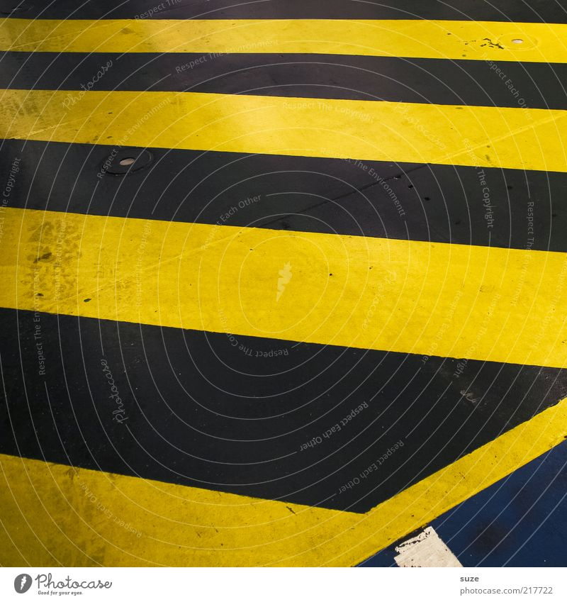 Black Yellow Dirty Signs and labeling Concrete Stripe Asphalt Warning label Traffic infrastructure Diagonal Copy Space Striped Graphic Abstract Joist